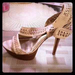 Shoes - Beige heel